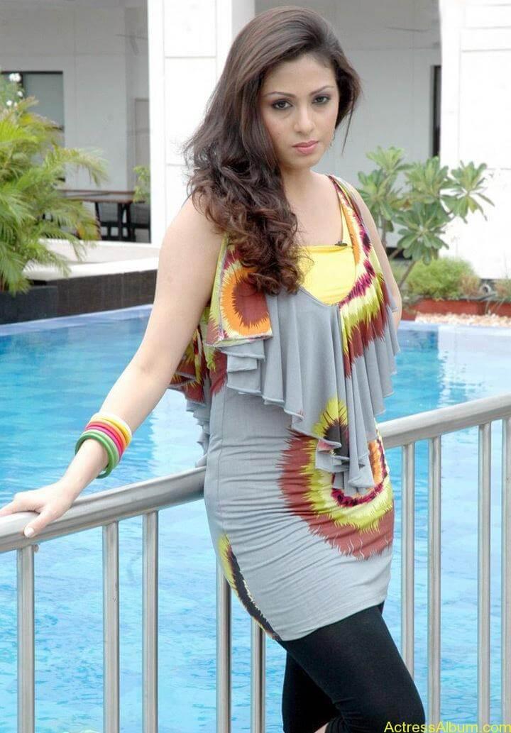 Tamil Actress Sada Latest Pictures 1