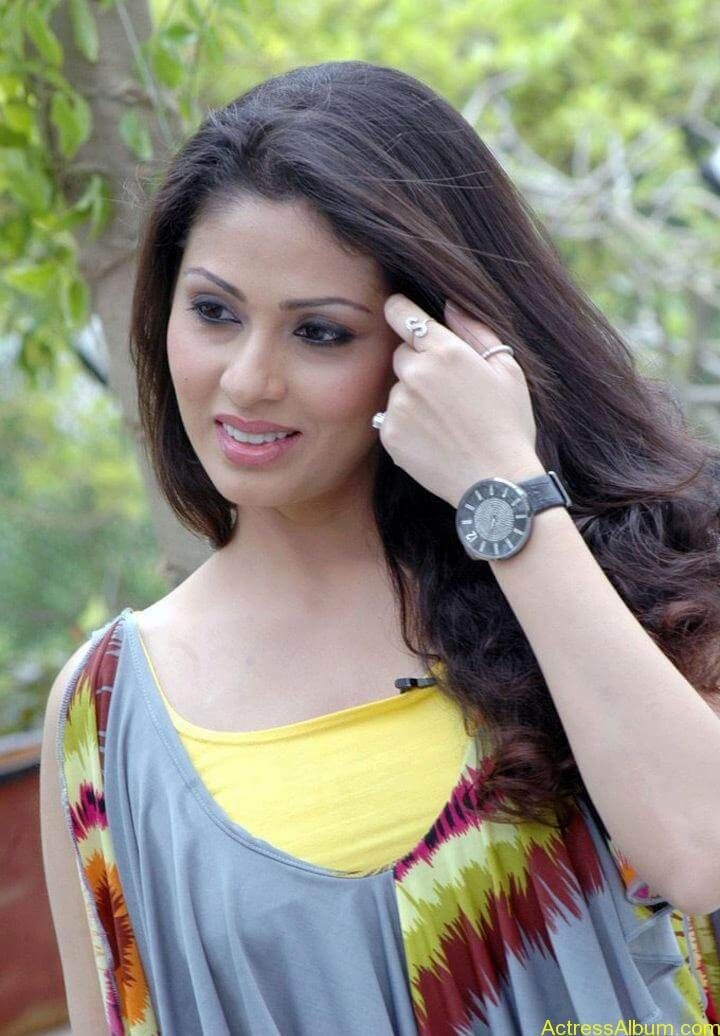 Tamil Actress Sada Latest Pictures 2
