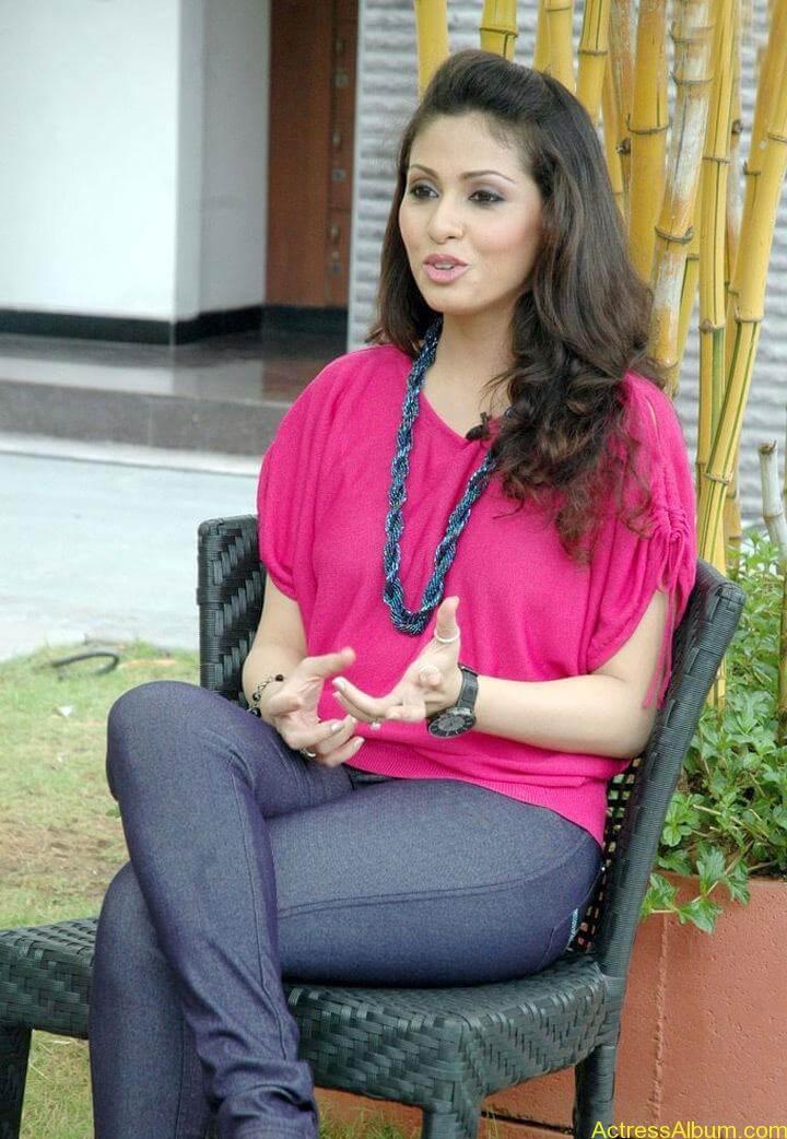 Tamil Actress Sada Latest Pictures 4