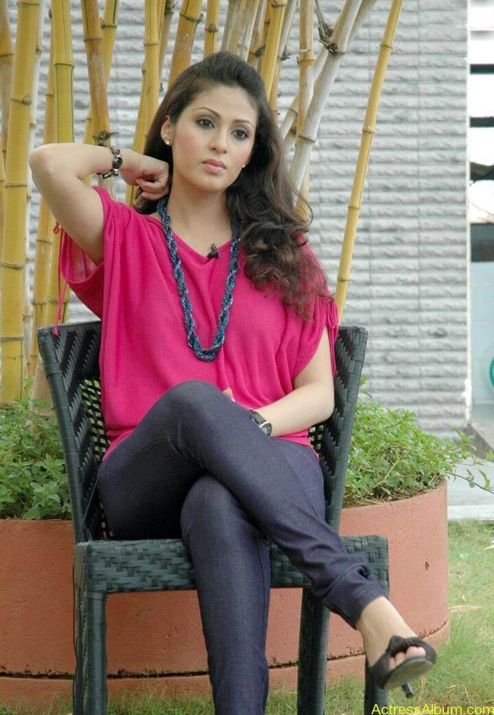 Tamil Actress Sada Latest Pictures 5