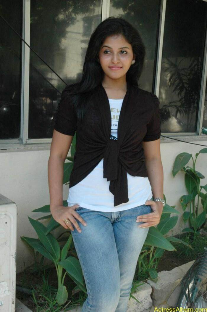 Anjali New Cute Stills