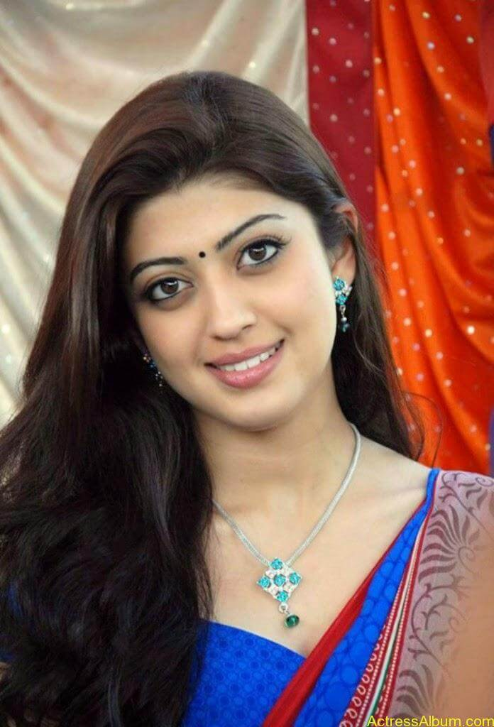 Actress-Pranitha-Latest-Saree-Stills-1