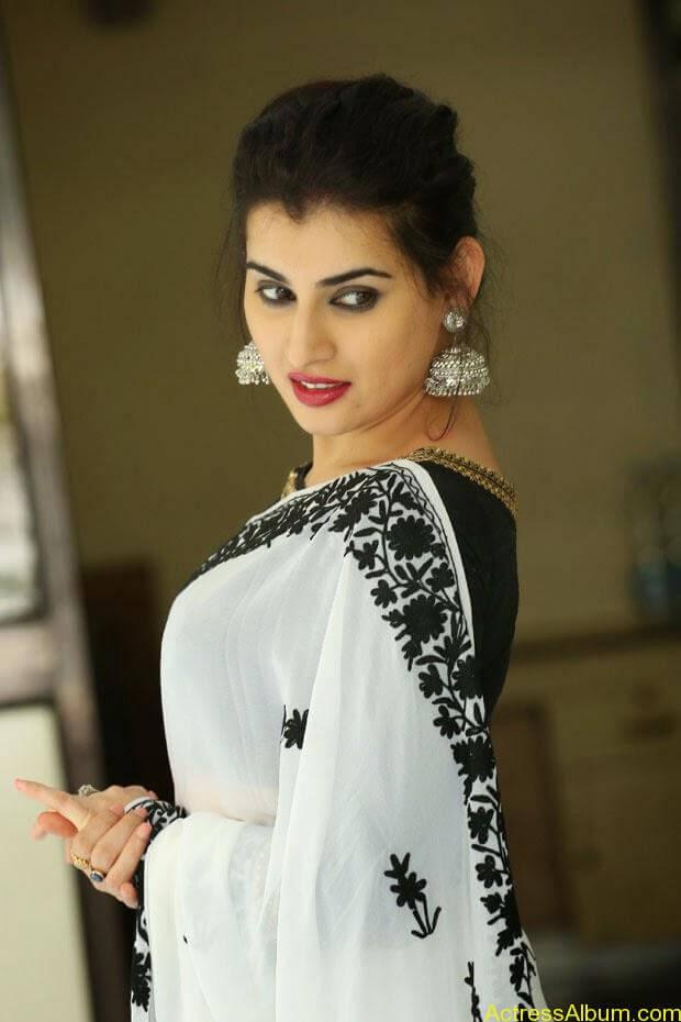 Archana-Saree-Stills-at-Panchami-Movie-Release-Date-Photos-2