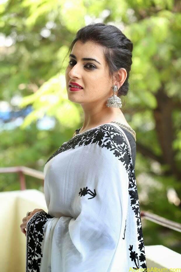 Archana-Saree-Stills-at-Panchami-Movie-Release-Date-Photos-6