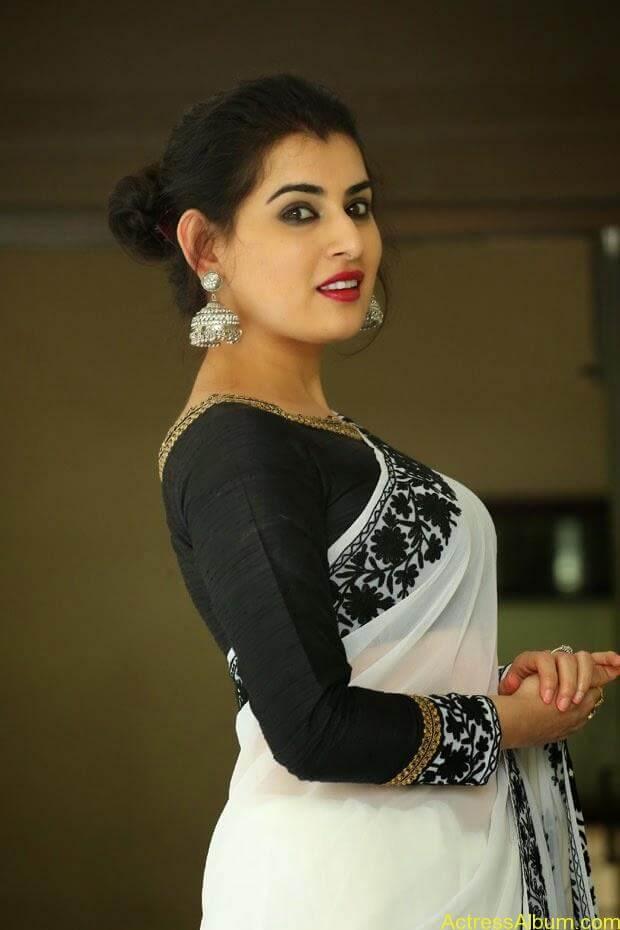 Archana-Saree-Stills-at-Panchami-Movie-Release-Date-Photos-9