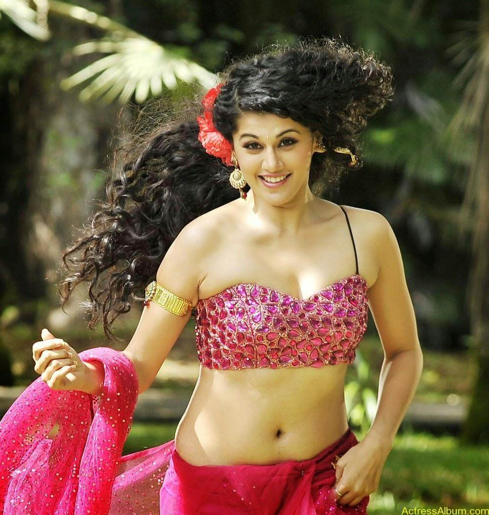 Hot Photoshoot of Taapsee Pannu 1