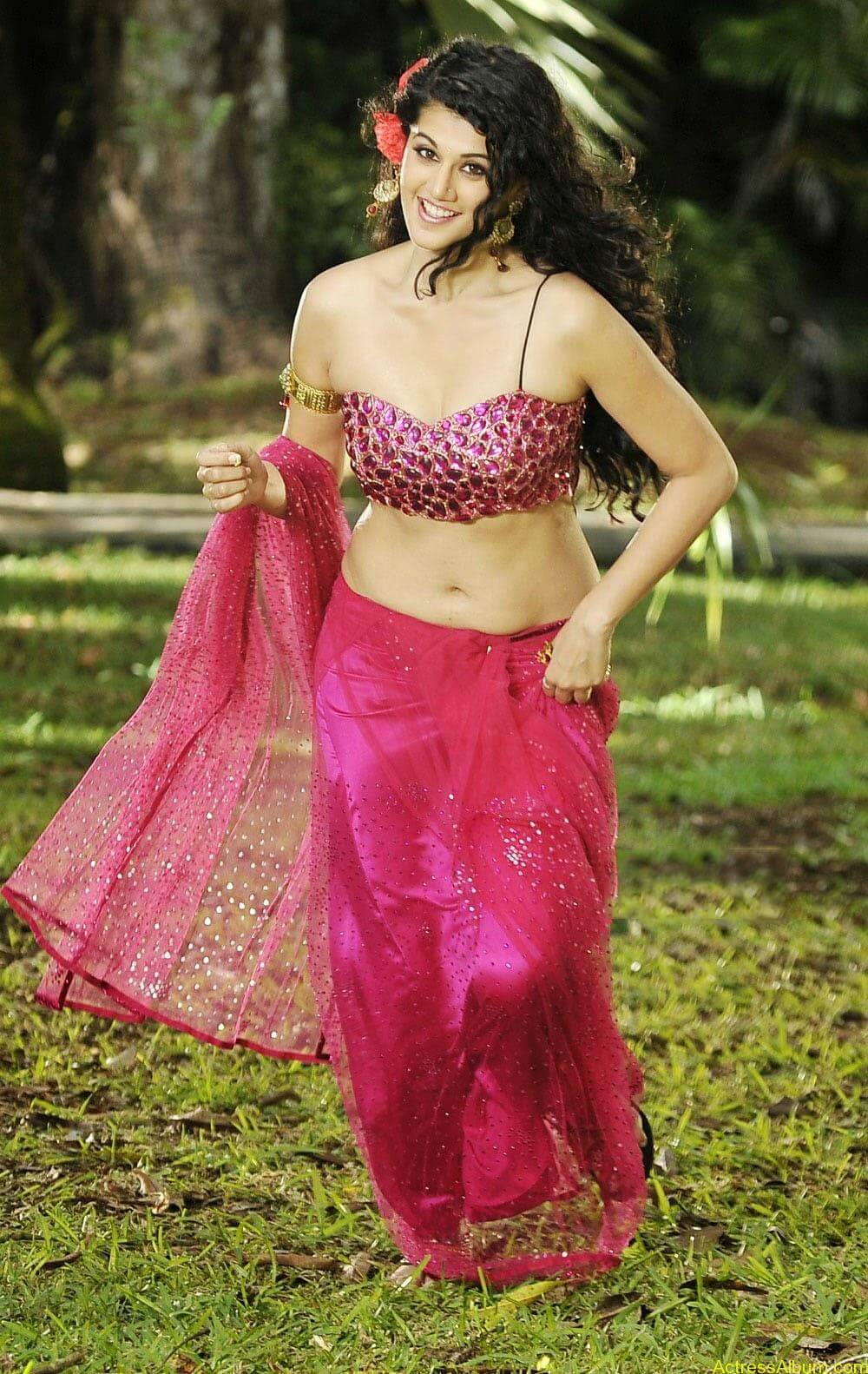 Hot Photoshoot of Taapsee Pannu 2