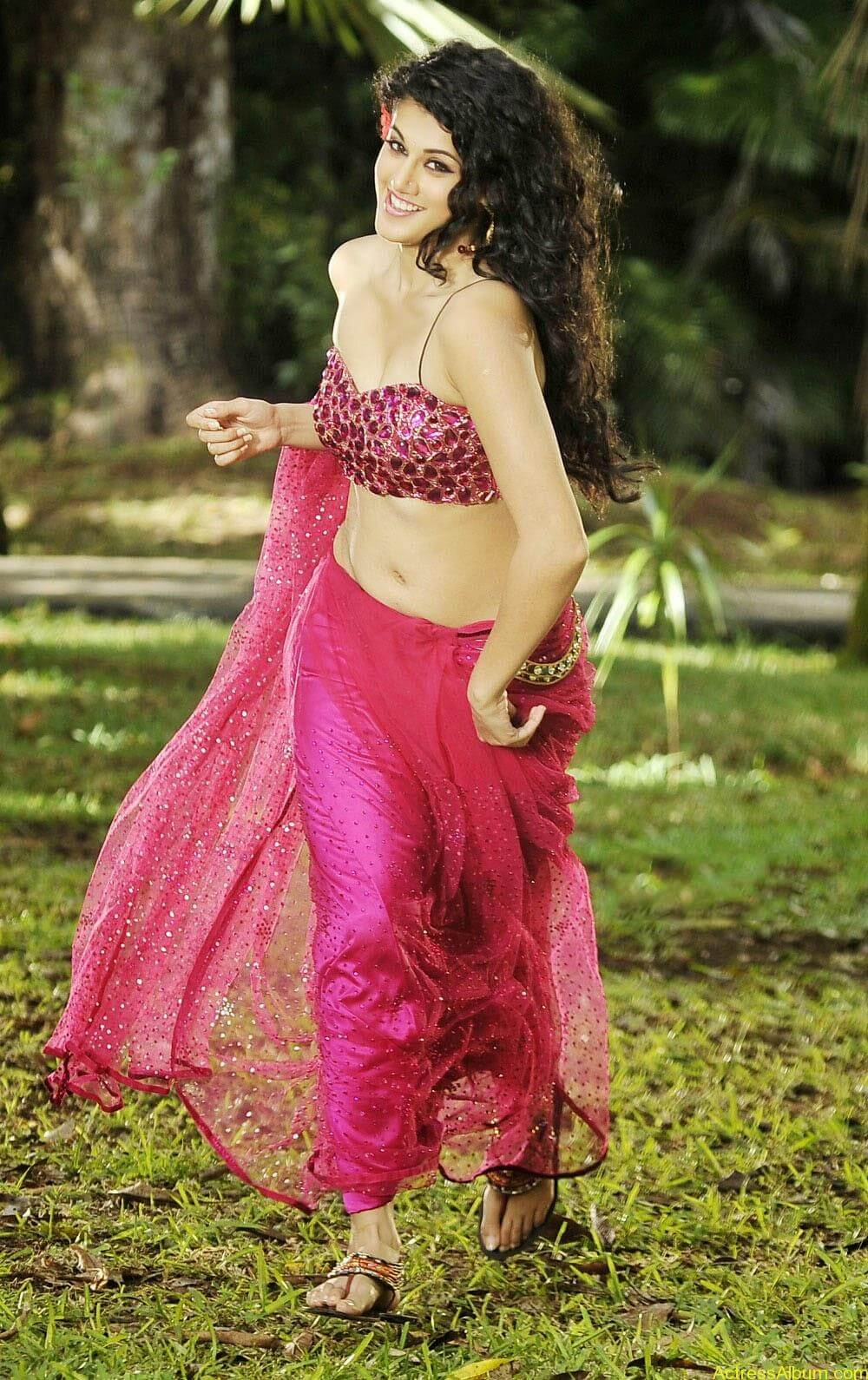 Hot Photoshoot of Taapsee Pannu 6