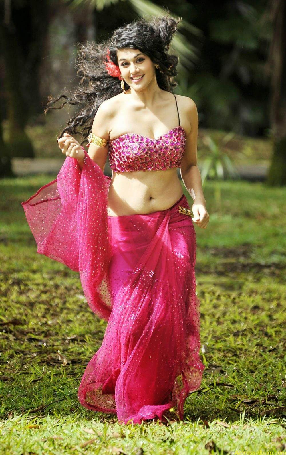 Hot Photoshoot of Taapsee Pannu 8