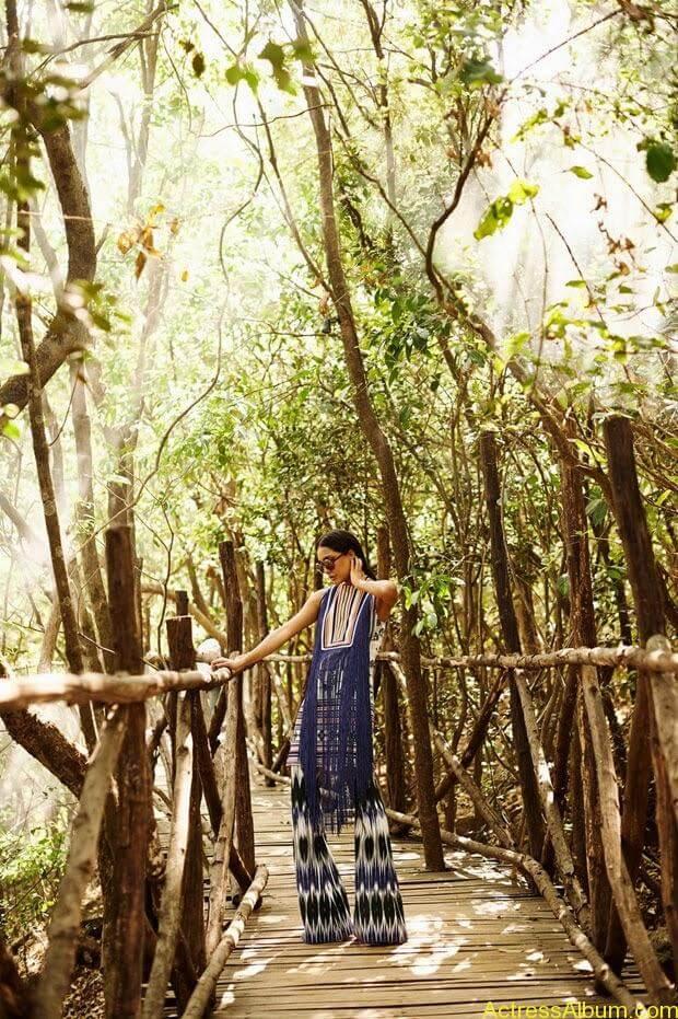 Lisa-Hayden-in-Elle-Magazine-Photo-Shoot-Photos-4