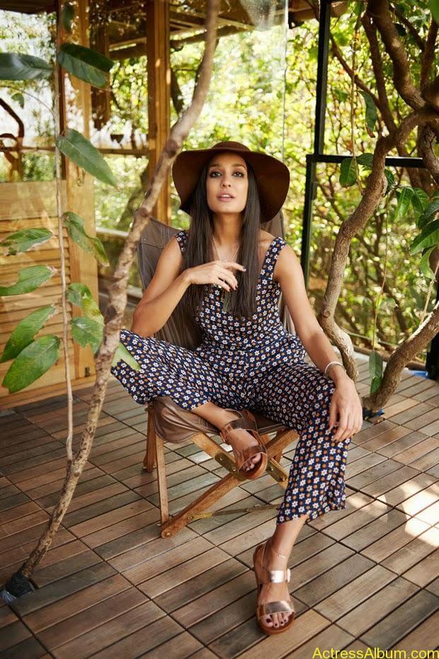 Lisa-Hayden-in-Elle-Magazine-Photo-Shoot-Photos-7