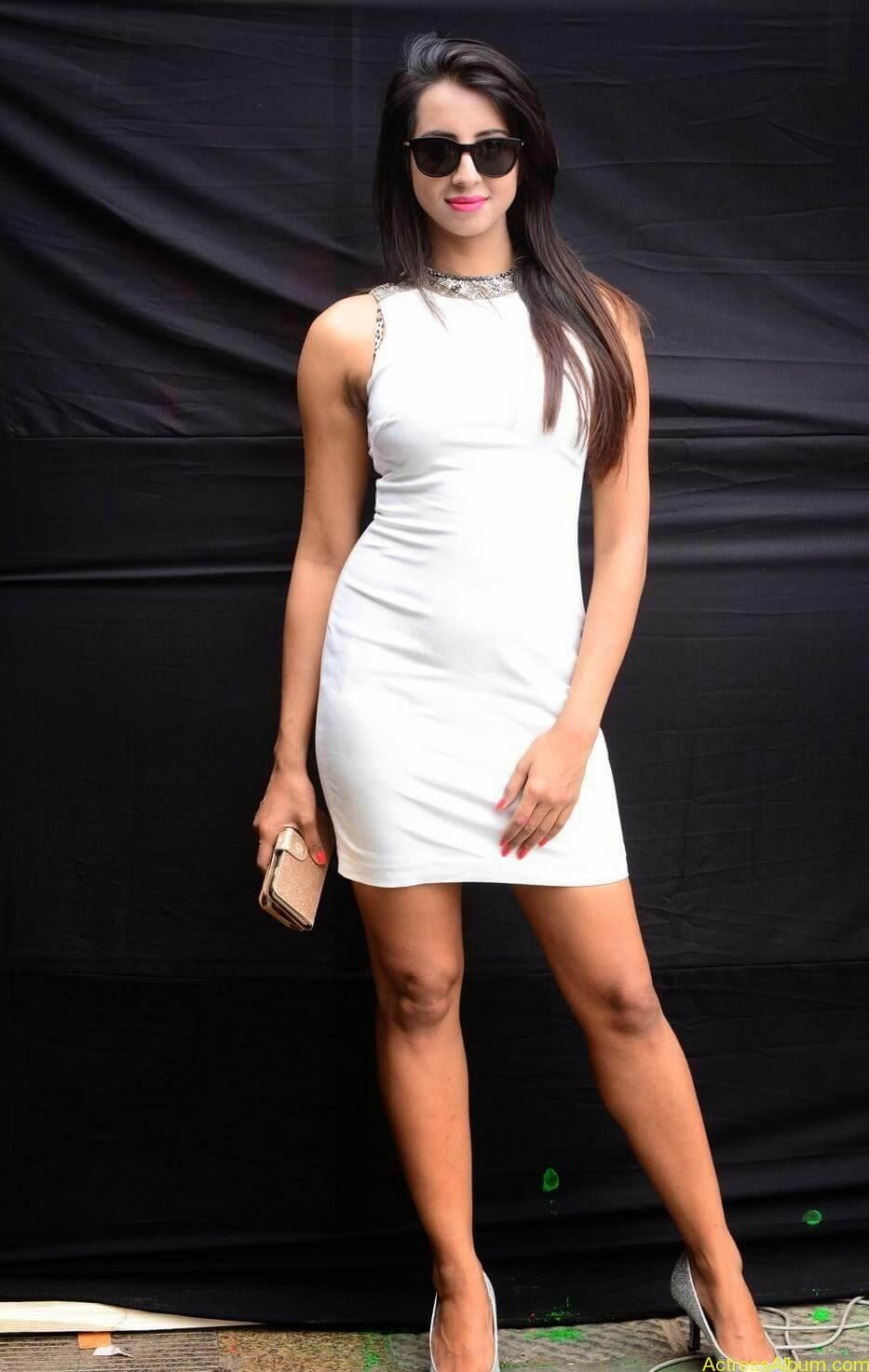 Sanjjanaa-in-White-Shorts-at-Holi-Party-11