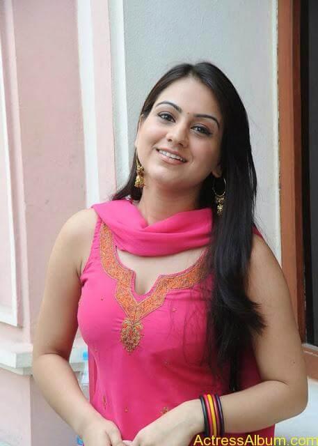 Actress Aksha Latest Hot Stills Pics2