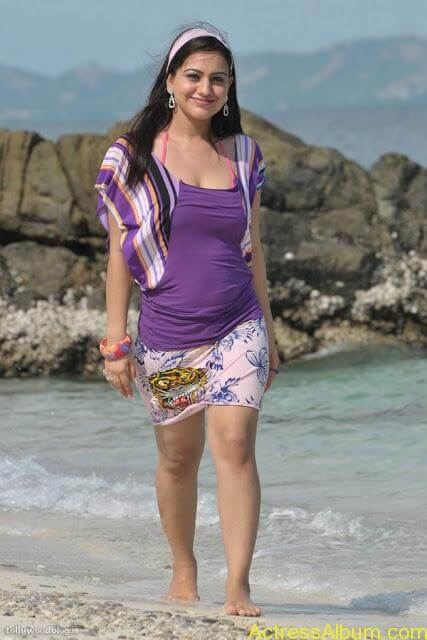 Aksha Hot In The Beach4