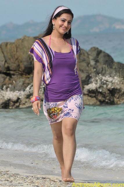 Aksha Hot In The Beach6