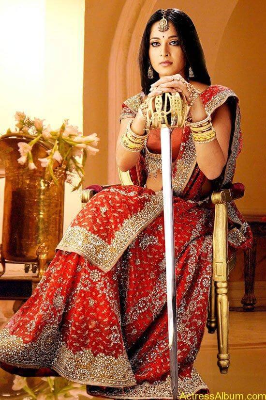 Anushka-as-Rudhramadevi