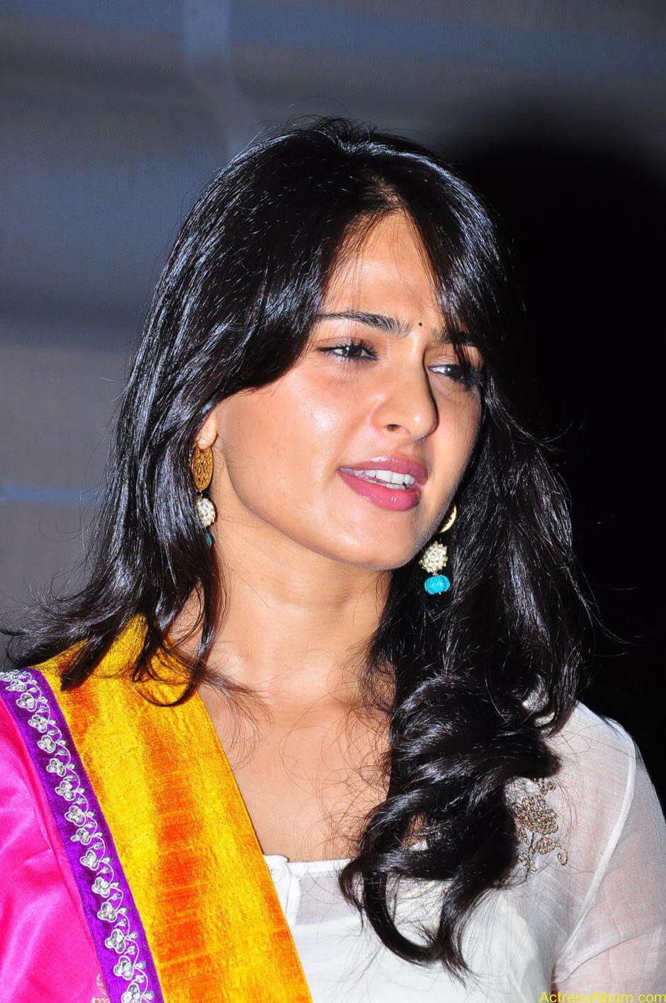 Anushka-Shetty-05-23-2011-Stills-003