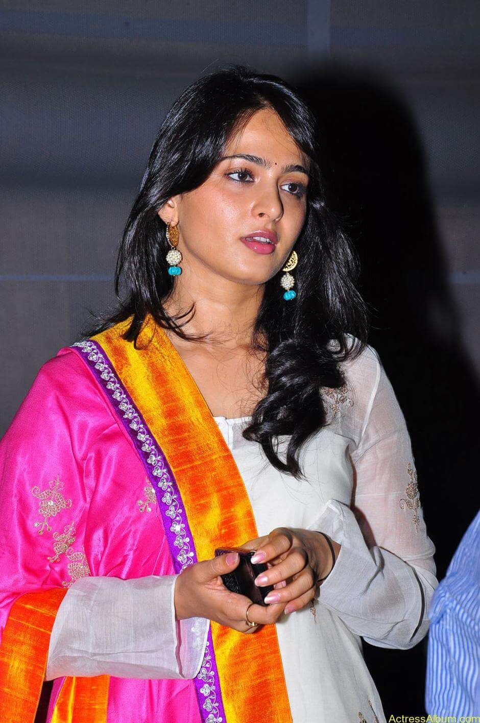 Anushka-Shetty-05-23-2011-Stills-006