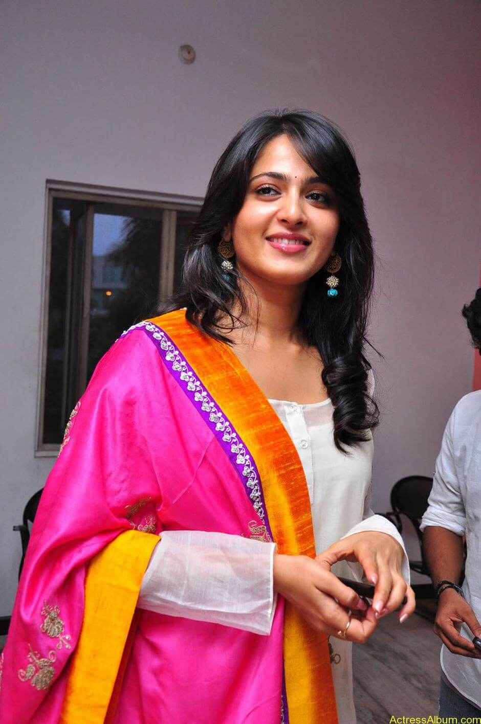 Anushka-Shetty-05-23-2011-Stills-009