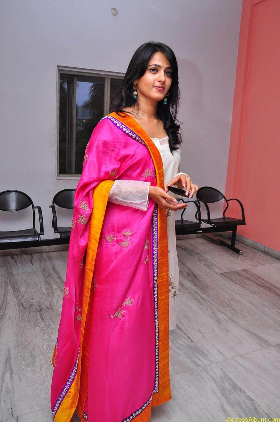 Anushka-Shetty-05-23-2011-Stills-012