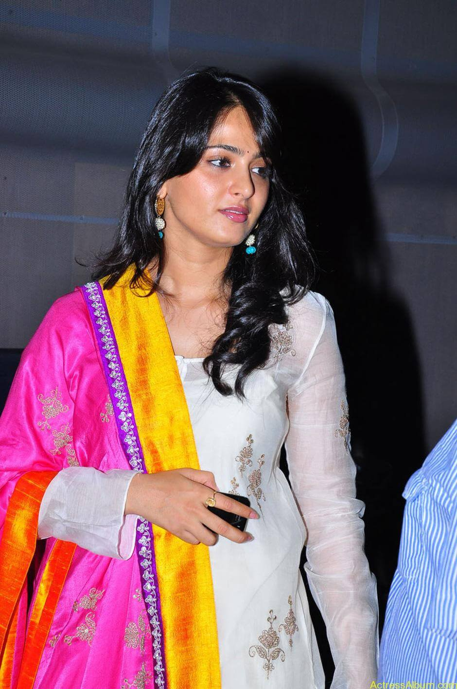 Anushka-Shetty-05-23-2011-Stills-013