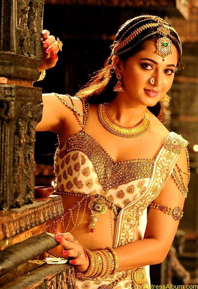 Anushka Shetty Rudhramadevi Movie New Look