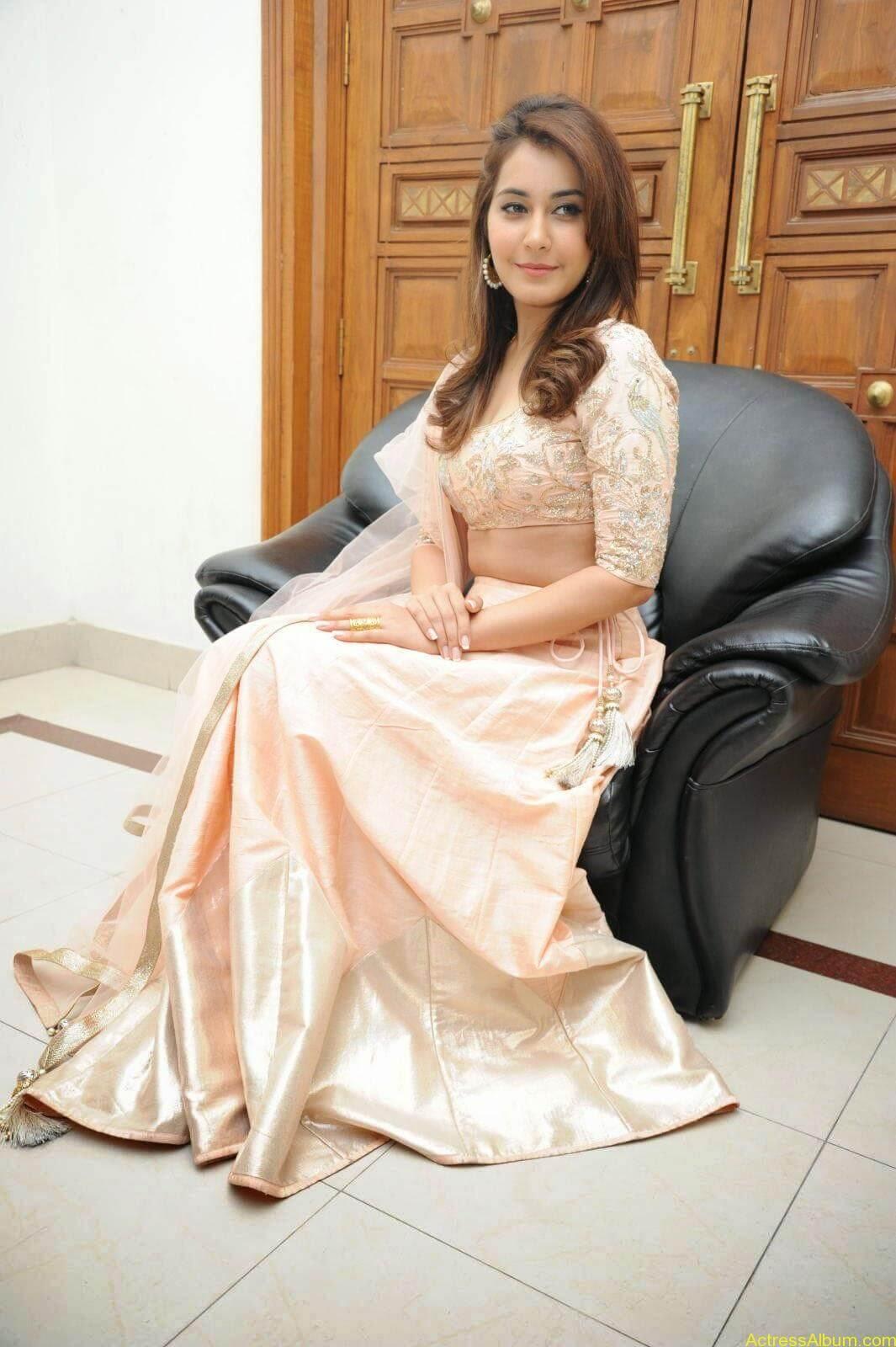 Rashi Khanna Latest Glam Stills At Jil Movie Audio Launch HQ 11