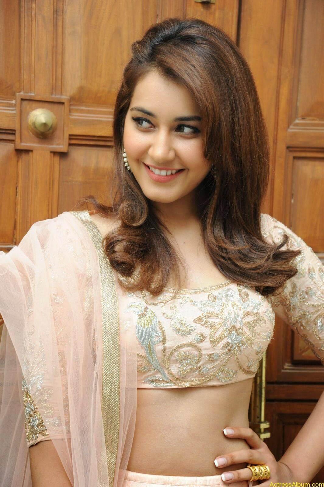 Rashi Khanna Latest Glam Stills At Jil Movie Audio Launch HQ 13