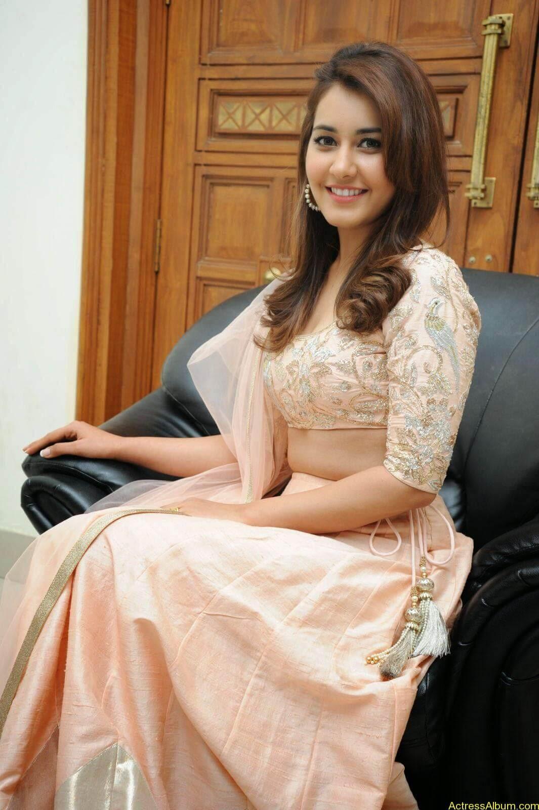 Rashi Khanna Latest Glam Stills At Jil Movie Audio Launch HQ 14