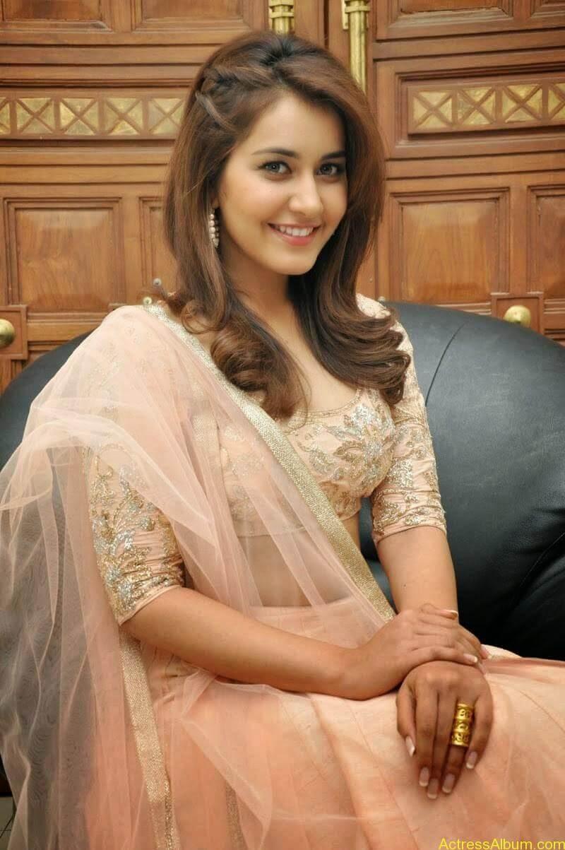 Rashi Khanna Latest Glam Stills At Jil Movie Audio Launch HQ 17