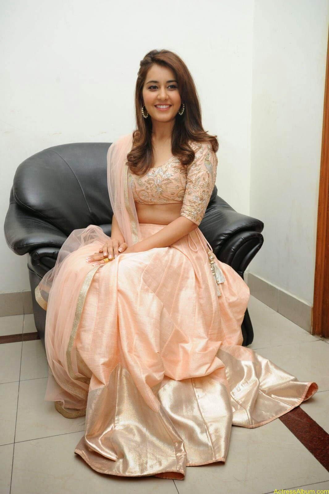 Rashi Khanna Latest Glam Stills At Jil Movie Audio Launch HQ 18
