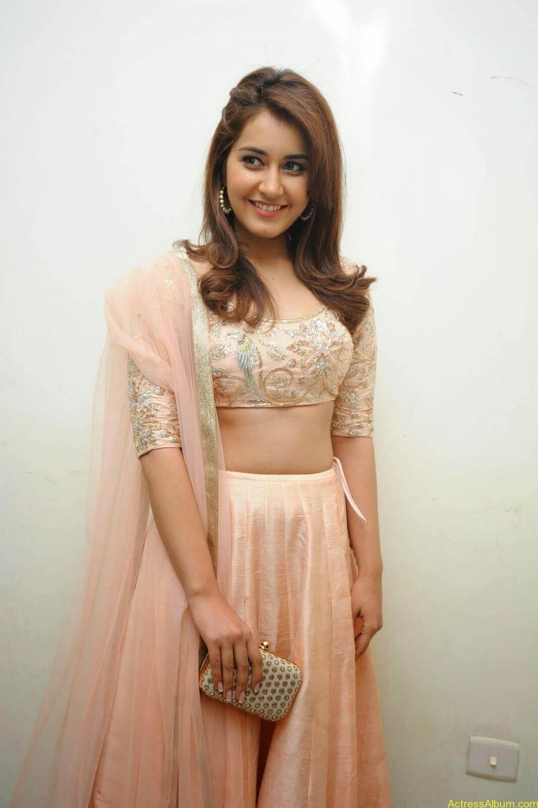 Rashi Khanna Latest Glam Stills At Jil Movie Audio Launch HQ 5