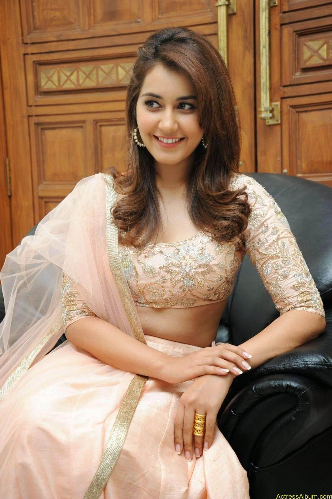 Rashi Khanna Latest Glam Stills At Jil Movie Audio Launch HQ 9