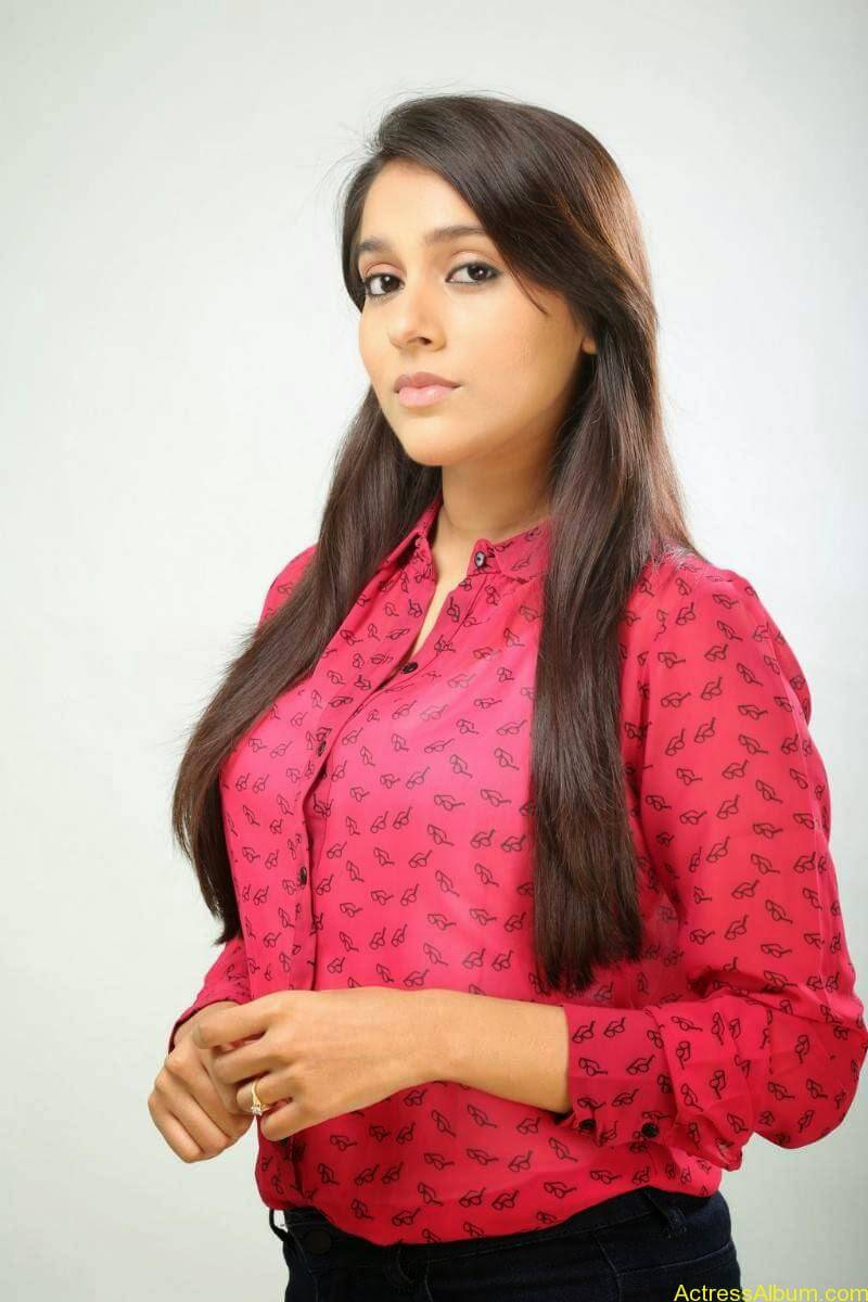 Rashmi Gautam Hot pink dress