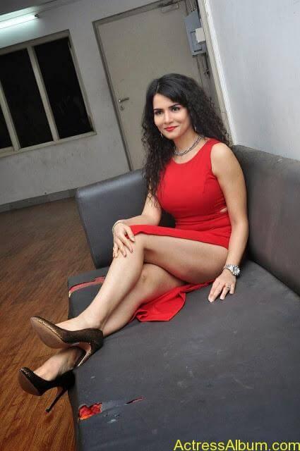 Ritu-Sachdev-Stills-At-Boom-Boom-Movie-Audio-Launch-3