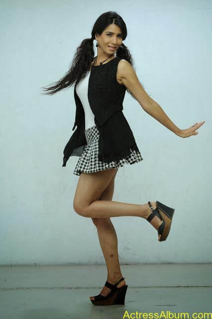 Ritu-Sachdev-Stills-From-Love-Boom-Boom-Movie_10