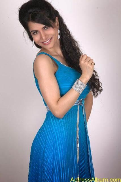 Ritu-Sachdev-Stills-From-Love-Boom-Boom-Movie_12