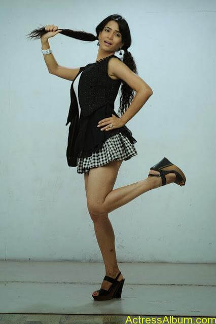 Ritu-Sachdev-Stills-From-Love-Boom-Boom-Movie_5