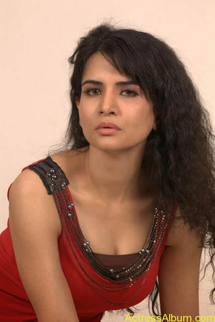 Ritu-Sachdev-Stills-From-Love-Boom-Boom-Movie_7