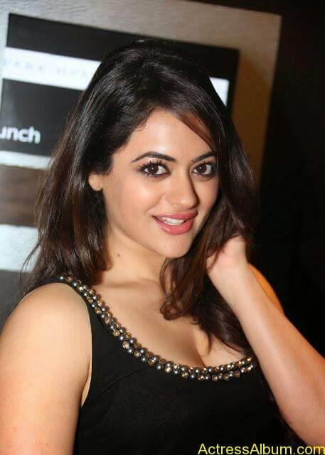 Shruti-Sodhi-Stills-at-Player-Movie-Teaser-Launch-5