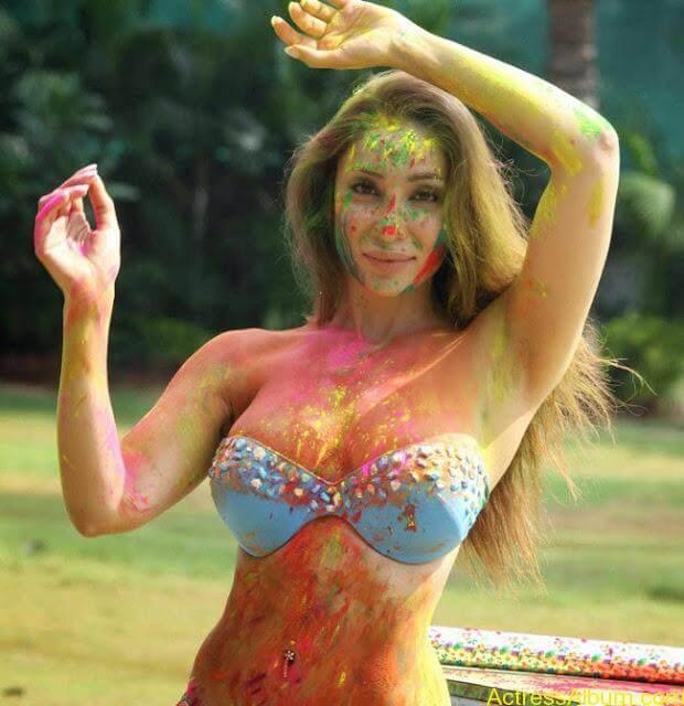 Sofia-Hayat-Holi-2015-Photoshoot-in-Bikini-Photos_14