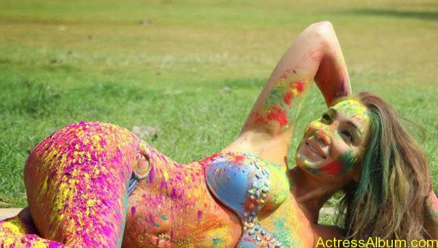 Sofia-Hayat-Holi-2015-Photoshoot-in-Bikini-Photos_16