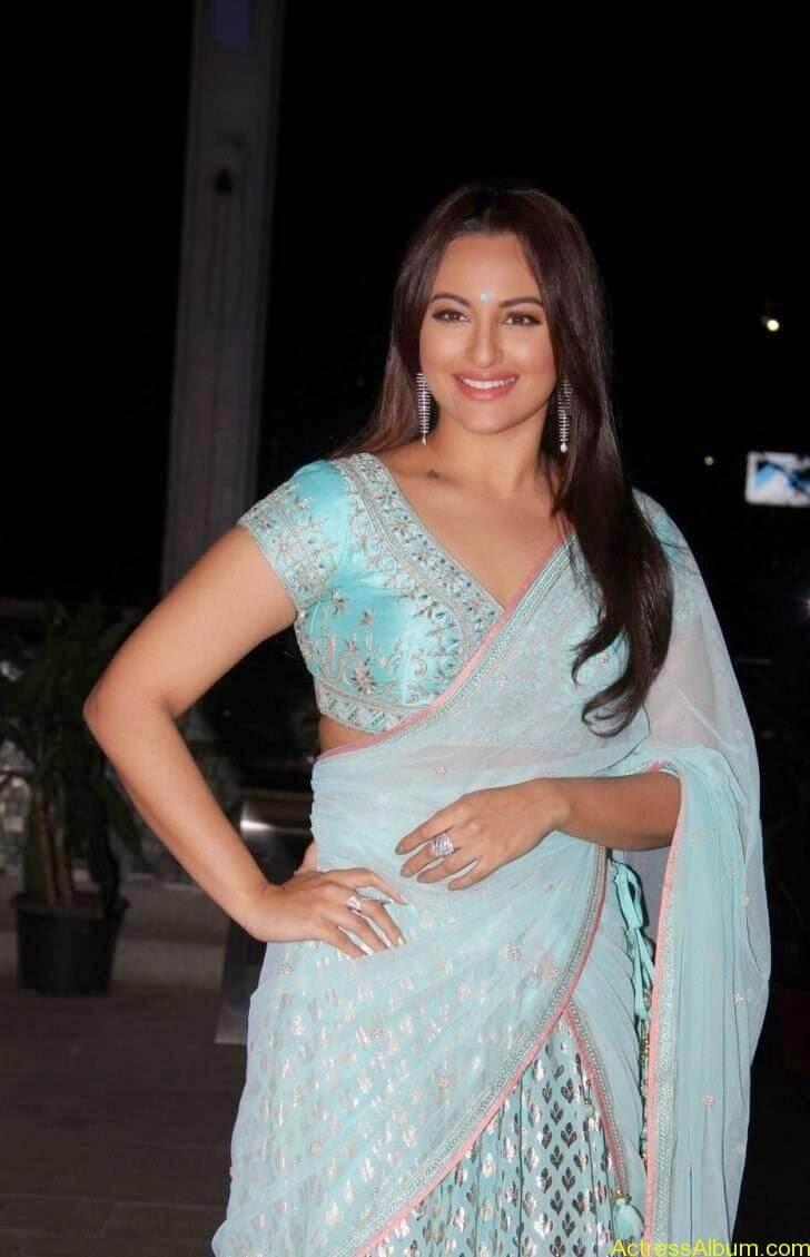 Sonakshi-Sinha-Half-Saree-Stills_3