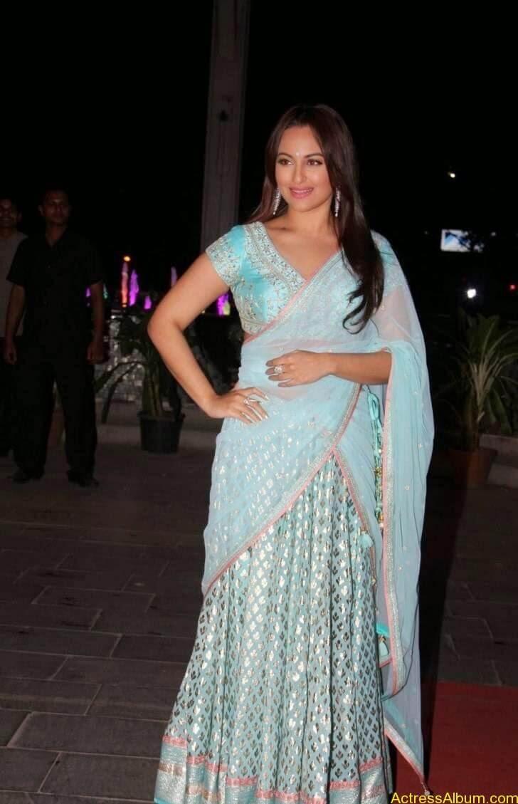 Sonakshi-Sinha-Half-Saree-Stills_6
