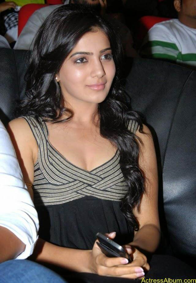 samantha-latest-hot-cleavage-photos-14