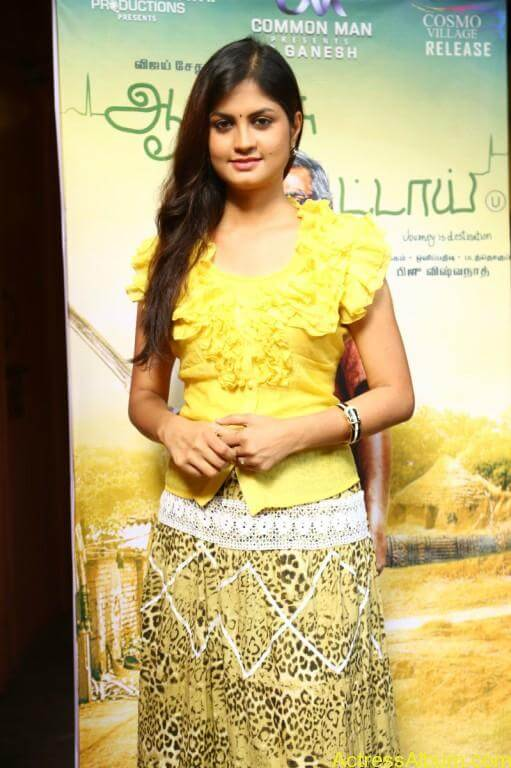 acress-aashritha-stills-at-orange-mittai-movie-press-meet-10