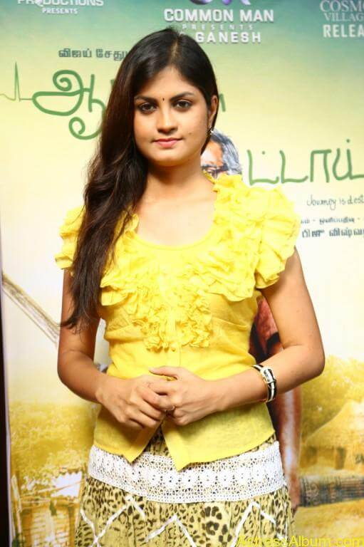acress-aashritha-stills-at-orange-mittai-movie-press-meet-11