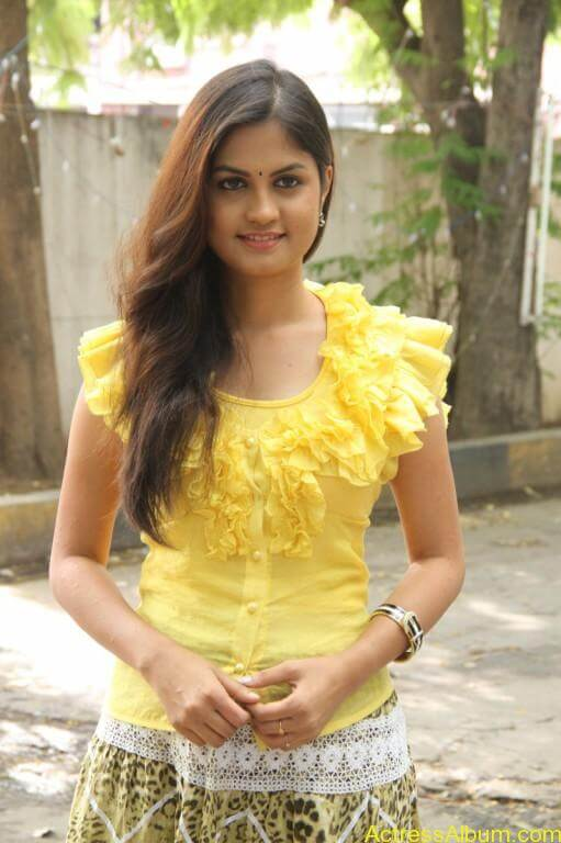 acress-aashritha-stills-at-orange-mittai-movie-press-meet-12