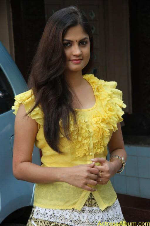 acress-aashritha-stills-at-orange-mittai-movie-press-meet-9