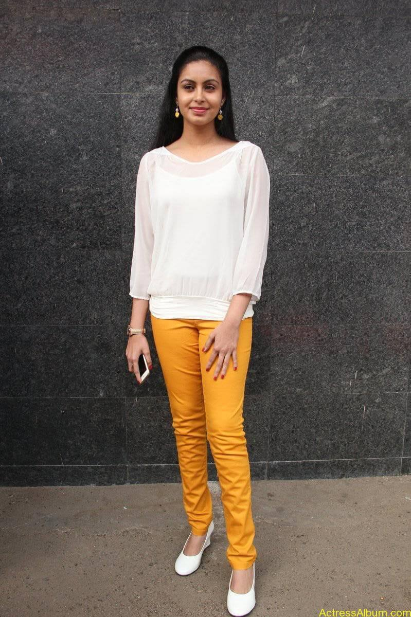 Abhinaya-Stills-At-Vizhithiru-Movie-Audio-Launch-08